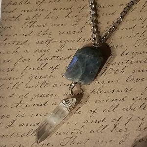 Stone crystal necklace